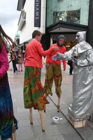Stilt walking classes in ireland with Artastic