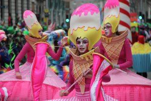Saint Patrick's parade Ireland, Candy costumes
