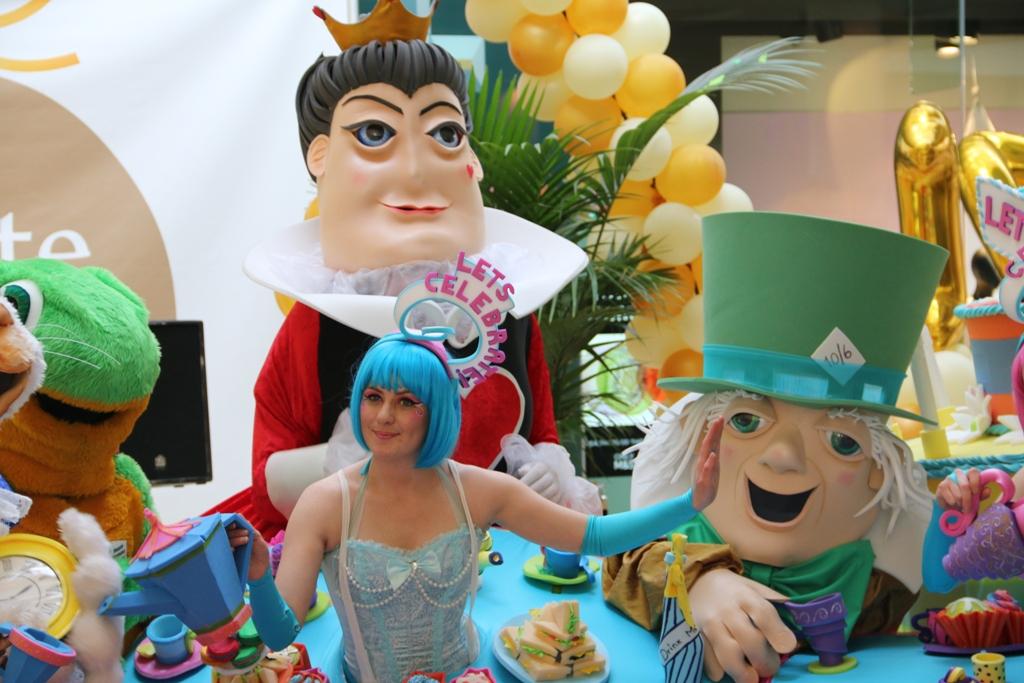 Alice in Wonderland theme entertainers